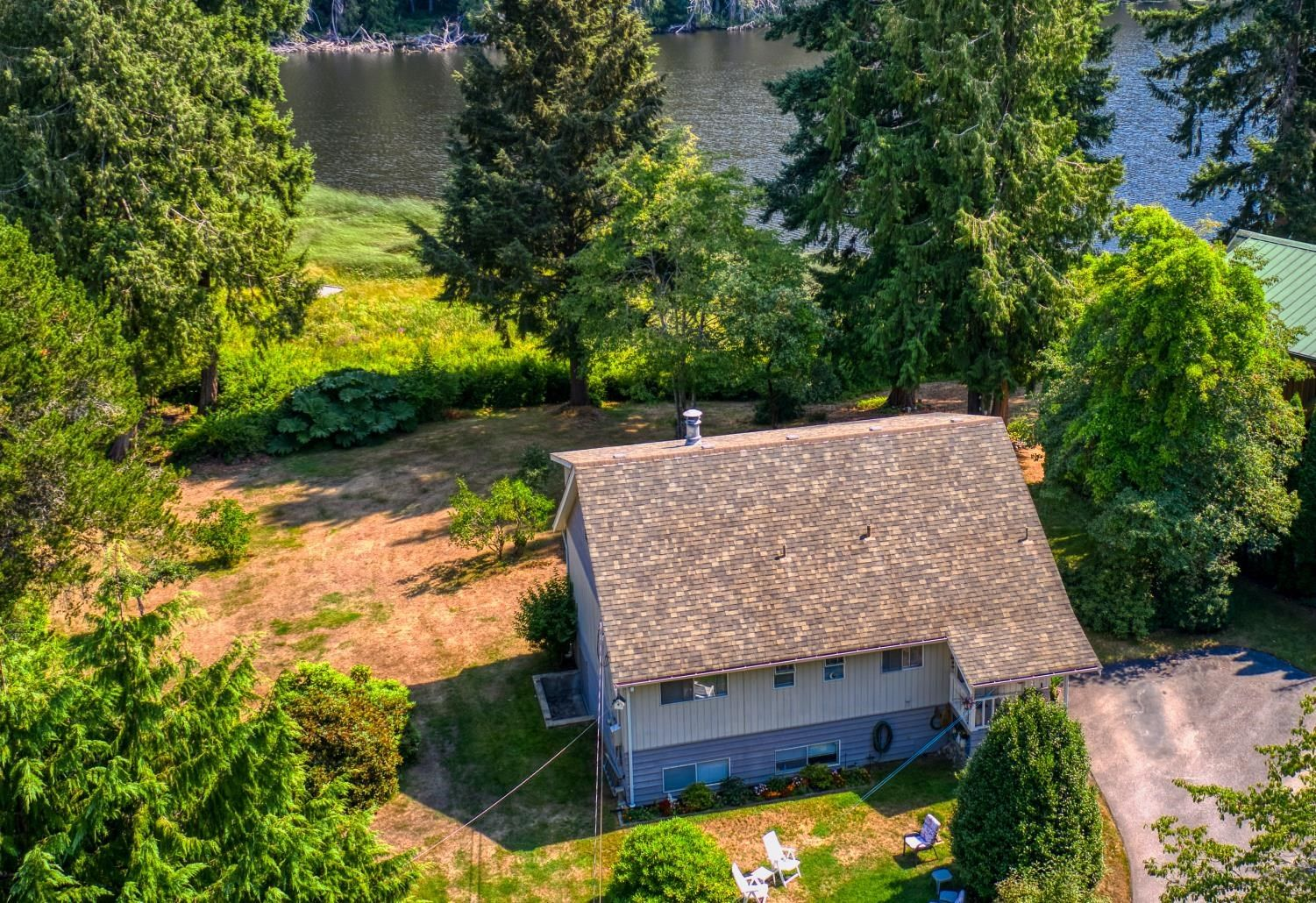 Main Photo: 12770 MAINSAIL Road in Madeira Park: Pender Harbour Egmont House for sale (Sunshine Coast)  : MLS®# R2610413
