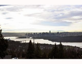 Photo 2: 1342 CAMRIDGE RD in West Vancouver: House for sale : MLS®# V804594