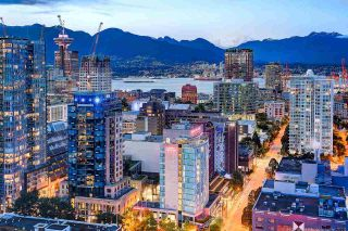 """Photo 3: 3703 928 BEATTY Street in Vancouver: Yaletown Condo for sale in """"THE MAX"""" (Vancouver West)  : MLS®# R2549817"""