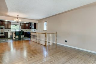 Photo 10: 6131 Lacombe Way SW in Calgary: Lakeview Detached for sale : MLS®# A1129548