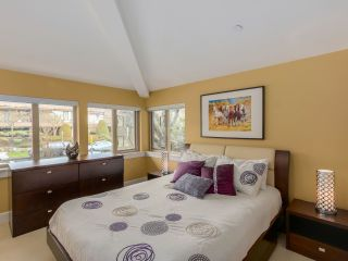 """Photo 13: 9 215 E 4TH Street in North Vancouver: Lower Lonsdale Townhouse for sale in """"ORCHARD TERRACE"""" : MLS®# R2539326"""