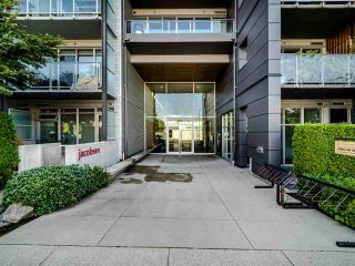 """Photo 3: 222 256 E 2ND Avenue in Vancouver: Mount Pleasant VE Condo for sale in """"Jacobsen"""" (Vancouver East)  : MLS®# R2495462"""