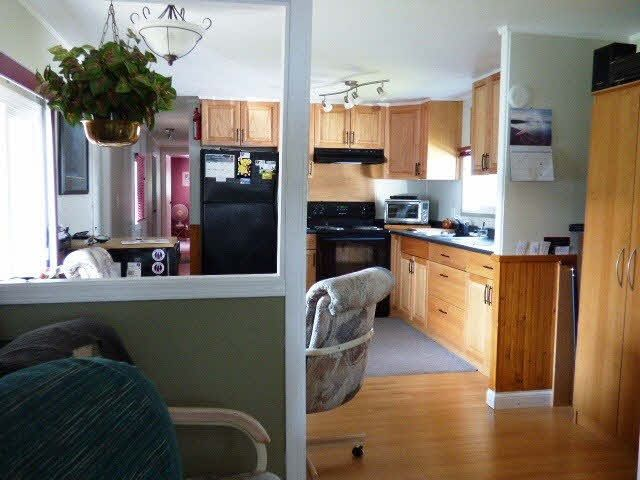 """Photo 3: Photos: 25 45111 WOLFE Road in Chilliwack: Chilliwack W Young-Well Manufactured Home for sale in """"FRASER VILLAGE"""" : MLS®# R2126124"""