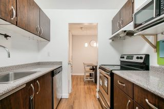 """Photo 7: 2 9584 MANCHESTER Drive in Burnaby: Cariboo Condo for sale in """"BROOKSIDE PARK"""" (Burnaby North)  : MLS®# R2376673"""