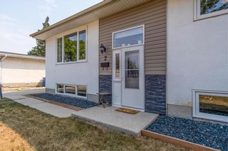 Photo 2: 2 Cranbrook Bay in Winnipeg: East Transcona Residential for sale (3M)  : MLS®# 202118878