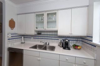 """Photo 8: 202 592 W 16TH Avenue in Vancouver: Cambie Condo for sale in """"CAMBIE VILLAGE"""" (Vancouver West)  : MLS®# R2166380"""