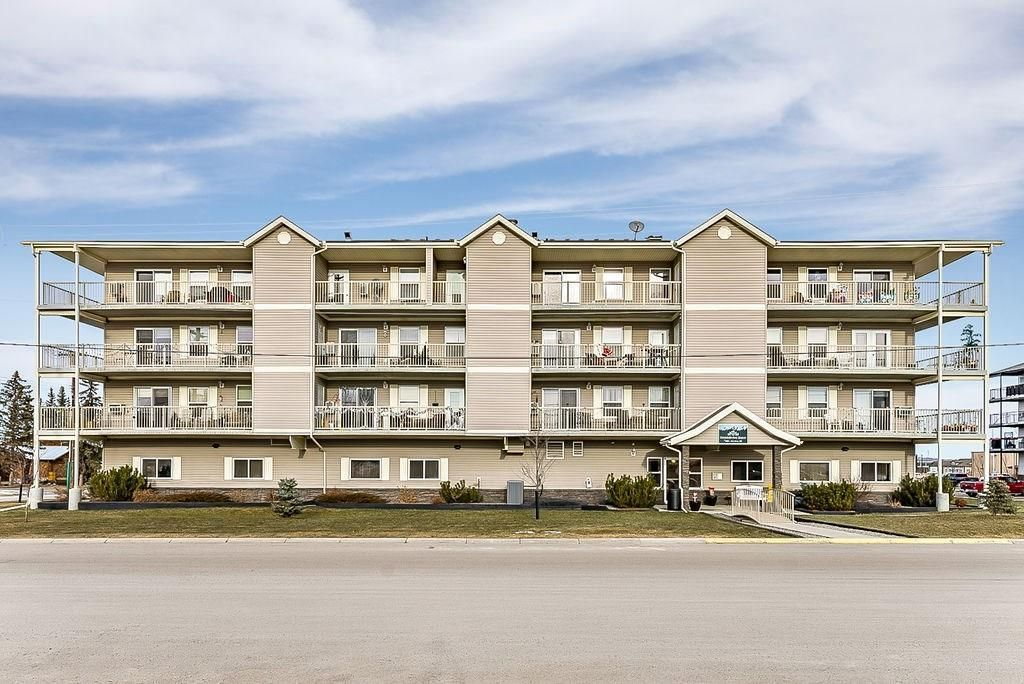 Main Photo: 401 400 1 Avenue SE: Black Diamond Apartment for sale : MLS®# C4299699