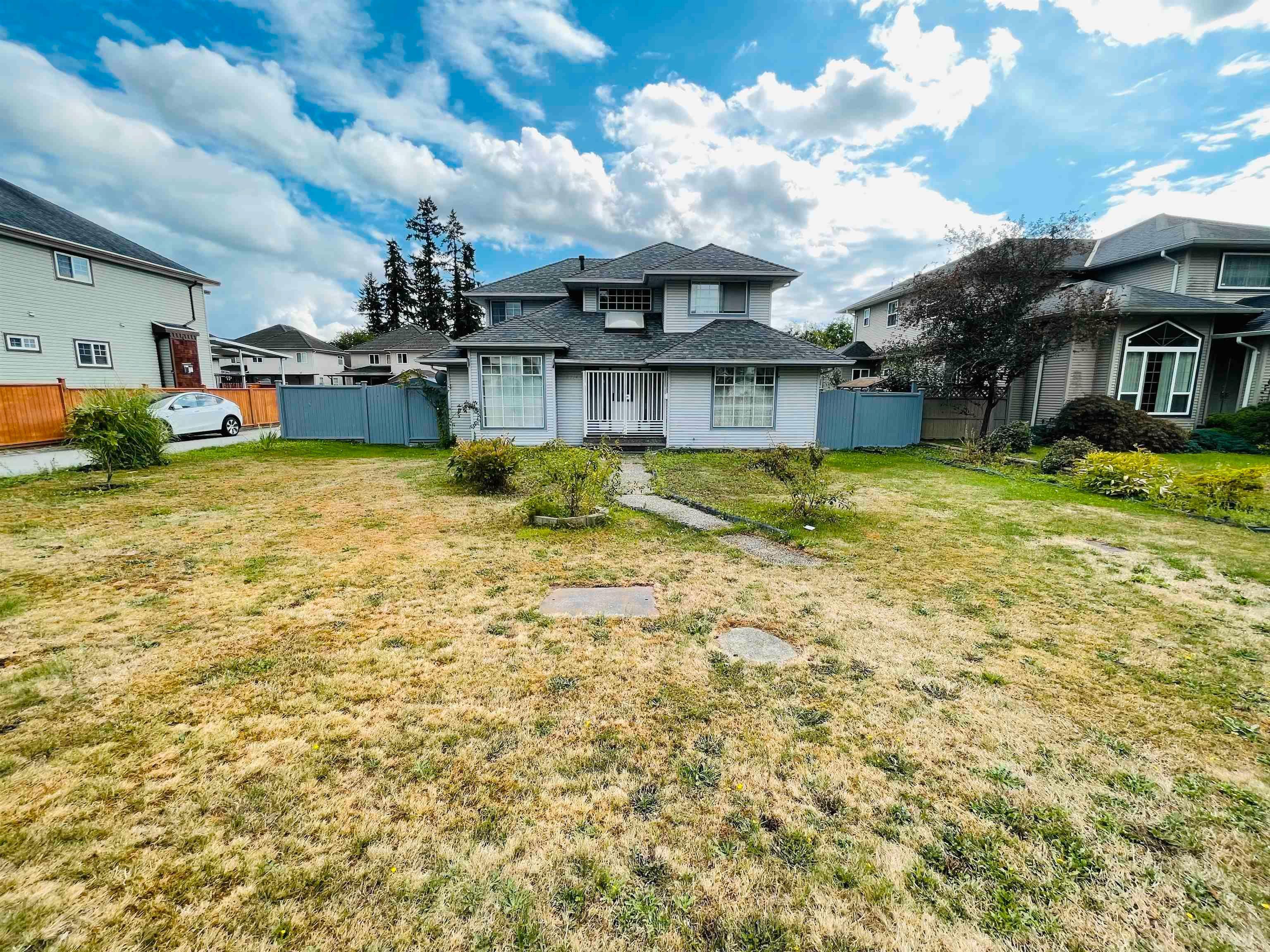 Main Photo: 15714 84 Avenue in Surrey: Fleetwood Tynehead House for sale : MLS®# R2613241