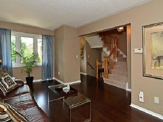 Photo 3: 118 White Pine Crest in Pickering: Highbush House (2-Storey) for sale : MLS®# E2688966
