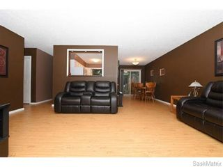 Photo 9: 1026 DOROTHY Street in Regina: Normanview West Single Family Dwelling for sale (Regina Area 02)  : MLS®# 544219