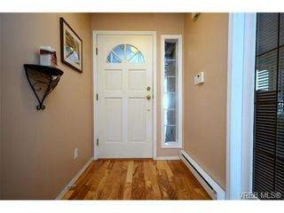Photo 3: 42 901 Kentwood Lane in VICTORIA: SE Broadmead Row/Townhouse for sale (Saanich East)  : MLS®# 727195