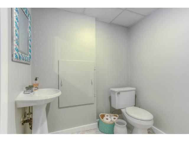 Photo 19: Photos: 39 SHAWGLEN Place SW in CALGARY: Shawnessy Residential Detached Single Family for sale (Calgary)  : MLS®# C3633354