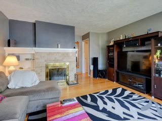 Photo 4: 3182 Rutledge St in Victoria: Vi Mayfair House for sale : MLS®# 879270