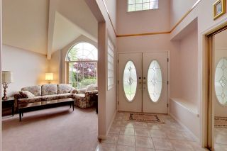 """Photo 2: 6679 LINDEN Avenue in Burnaby: Highgate House for sale in """"Highgate"""" (Burnaby South)  : MLS®# R2167616"""