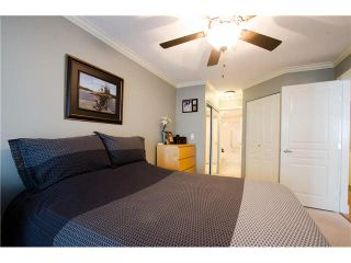 """Photo 7: 215 1363 56TH Street in Tsawwassen: Cliff Drive Condo for sale in """"Windsor Woods"""" : MLS®# V1114935"""