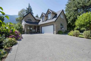 Photo 1: 426 EAGLE Street: Harrison Hot Springs House for sale : MLS®# R2134823