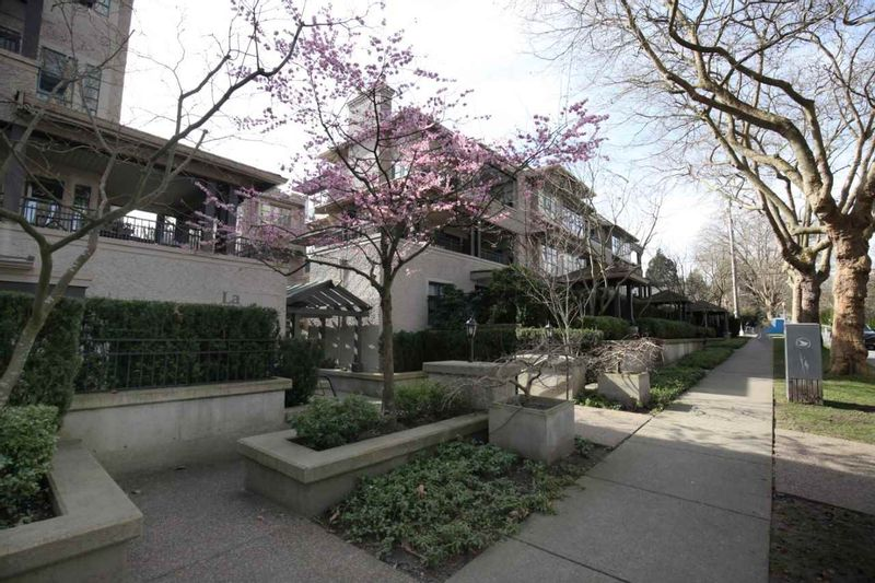 FEATURED LISTING: 210 - 3788 8TH Avenue West Vancouver