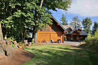 """Photo 3: 8400 GRAND VIEW Drive in Chilliwack: Chilliwack Mountain House for sale in """"Chilliwack Mountain"""" : MLS®# R2483464"""