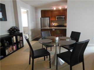 """Photo 4: 310 5885 IRMIN Street in Burnaby: Metrotown Condo for sale in """"MACPHERSON WALK (EAST)"""" (Burnaby South)  : MLS®# V1115145"""