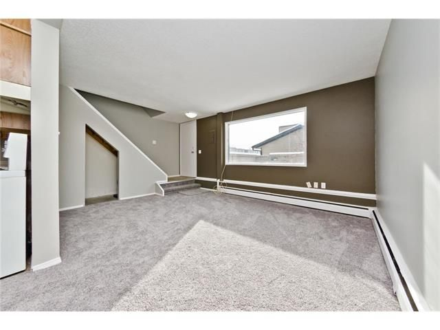 Photo 8: Photos: 118 3809 45 Street SW in Calgary: Glenbrook House for sale : MLS®# C4096404