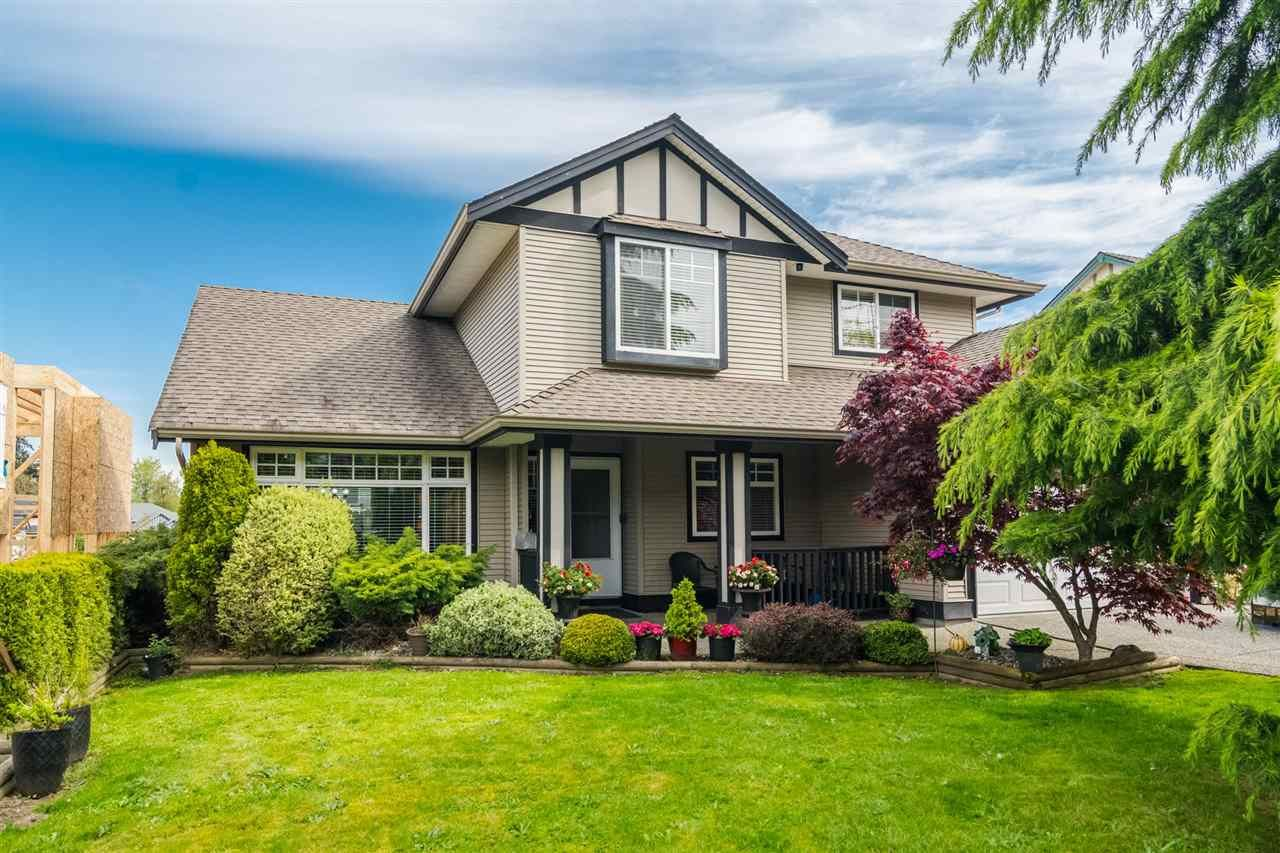 Main Photo: 18449 68 Avenue in Surrey: Cloverdale BC House for sale (Cloverdale)  : MLS®# R2163355