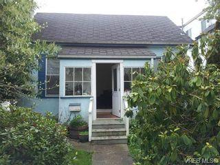 Photo 2: 131 Ladysmith St in VICTORIA: Vi James Bay House for sale (Victoria)  : MLS®# 725922