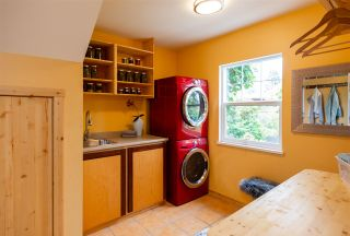 Photo 9: 334 E 16TH STREET in North Vancouver: Central Lonsdale House for sale : MLS®# R2317039
