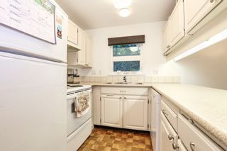 """Photo 10: 9899 MILLBROOK Lane in Burnaby: Cariboo Townhouse for sale in """"VILLAGE DEL PONTE"""" (Burnaby North)  : MLS®# R2372702"""