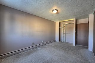 Photo 7: 102 3809 45 Street SW in Calgary: Glenbrook House for sale : MLS®# C4165453
