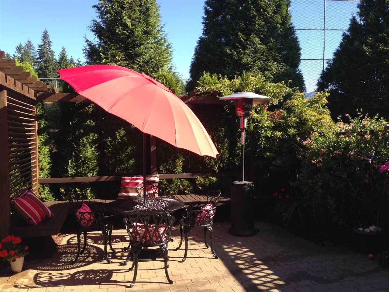 """Photo 2: Photos: 3087 MOSS Court in Coquitlam: Westwood Plateau House for sale in """"WESTWOOD PLATEAU"""" : MLS®# R2154481"""