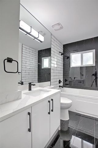 Photo 25: 2445 Elmwood Drive SE in Calgary: Southview Detached for sale : MLS®# A1119973