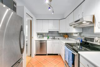 """Photo 3: 304 1665 ARBUTUS Street in Vancouver: Kitsilano Condo for sale in """"The Beaches"""" (Vancouver West)  : MLS®# R2612663"""