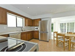 Photo 8: 5551 HUCKLEBERRY LN in North Vancouver: Grouse Woods House for sale : MLS®# V906922