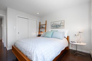 """Photo 10: 601 2187 BELLEVUE Avenue in West Vancouver: Dundarave Condo for sale in """"Surfside Towers"""" : MLS®# R2620121"""