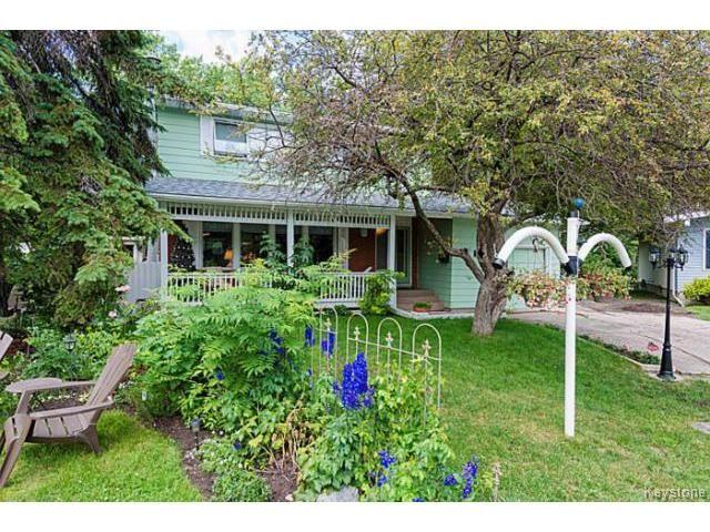 Main Photo: 5 McMurray Bay in WINNIPEG: St Vital Residential for sale (South East Winnipeg)  : MLS®# 1417818