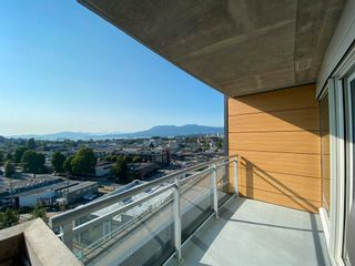 """Photo 3: 1102 1565 W 6TH Avenue in Vancouver: False Creek Condo for sale in """"6TH & FIR"""" (Vancouver West)  : MLS®# R2602181"""