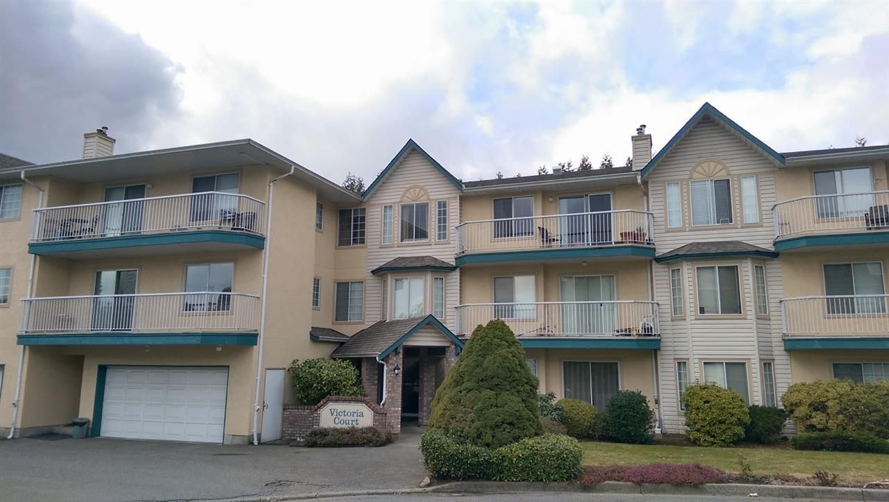 "Main Photo: 204 2567 VICTORIA Street in Abbotsford: Abbotsford West Condo for sale in ""Victoria Court"" : MLS®# R2140992"