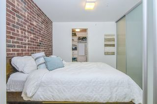 """Photo 6: 303 2141 E HASTINGS Street in Vancouver: Hastings Sunrise Condo for sale in """"The Oxford"""" (Vancouver East)  : MLS®# R2431561"""
