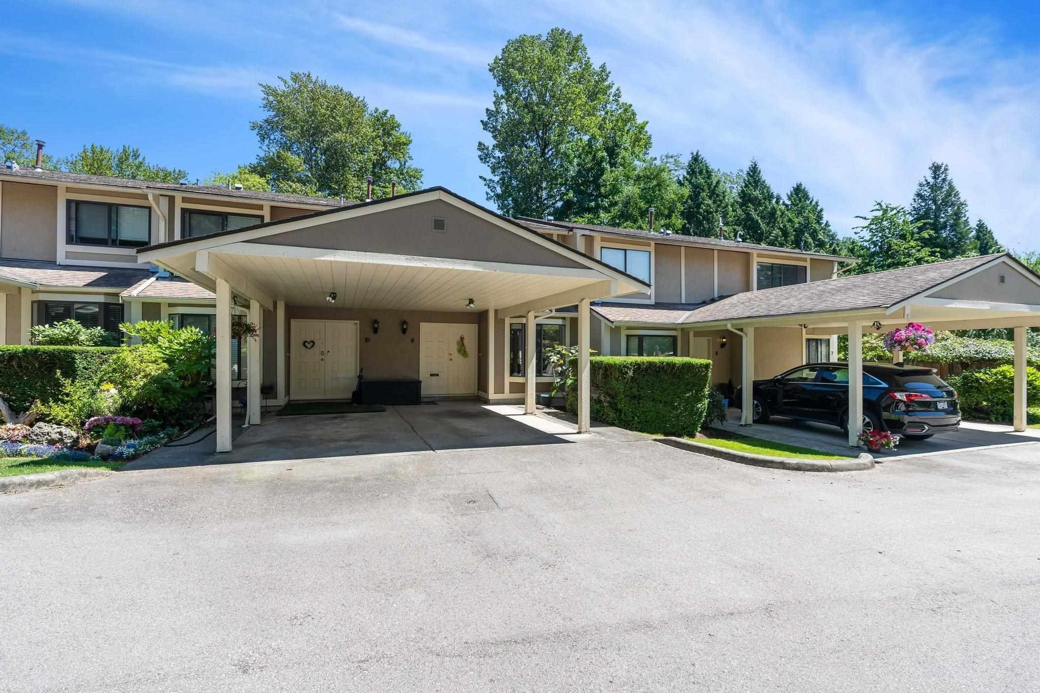 "Main Photo: 9 1141 EAGLERIDGE Drive in Coquitlam: Eagle Ridge CQ Townhouse for sale in ""EAGLERIDGE VILLAS"" : MLS®# R2597286"