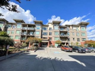 """Main Photo: 309 33538 MARSHALL Road in Abbotsford: Central Abbotsford Condo for sale in """"The Crossing"""" : MLS®# R2617860"""