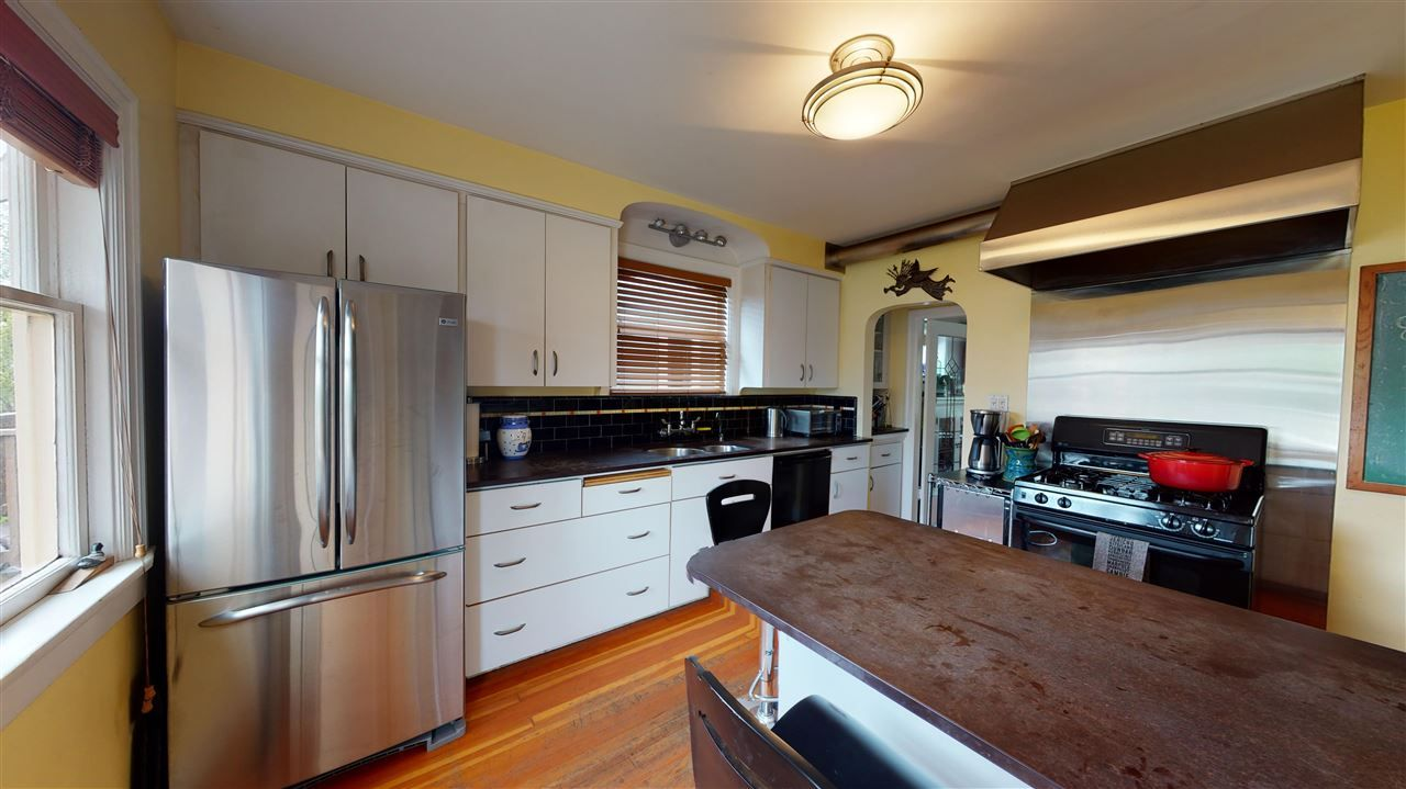 Photo 10: Photos: 2521 KITCHENER Street in Vancouver: Renfrew VE House for sale (Vancouver East)  : MLS®# R2573364