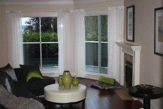 Photo 7: 15821 Columbia Avenue in White Rock: Home for sale : MLS®# F2833600