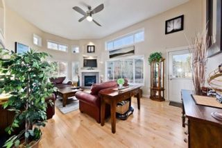 Photo 2: 310 Inglewood Grove SE in Calgary: Inglewood Row/Townhouse for sale : MLS®# A1100172