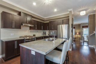 """Photo 10: 27 1125 KENSAL Place in Coquitlam: New Horizons Townhouse for sale in """"KENSAL WALK"""" : MLS®# R2035767"""
