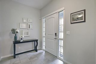 Photo 4: 138 Nolanshire Crescent NW in Calgary: Nolan Hill Detached for sale : MLS®# A1100424