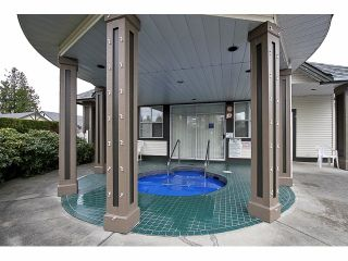 """Photo 17: 115 19649 53RD Avenue in Langley: Langley City Townhouse for sale in """"Huntsfield Green"""" : MLS®# F1406703"""