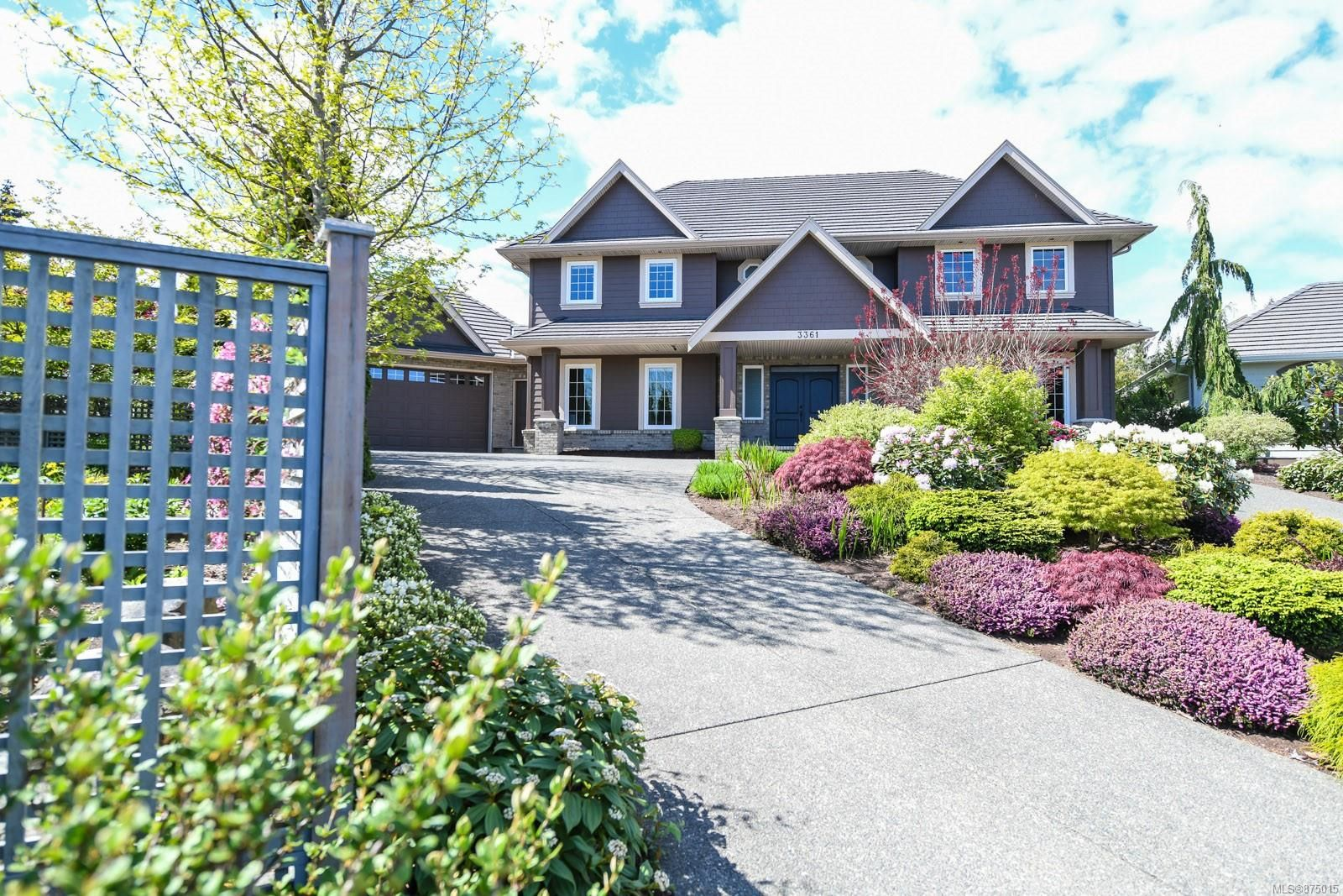 Main Photo: 3361 York Pl in : CV Crown Isle House for sale (Comox Valley)  : MLS®# 875015