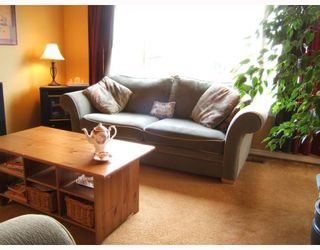 """Photo 2: 3438 E 24TH Avenue in Vancouver: Renfrew Heights House for sale in """"RENFREW HEIGHTS"""" (Vancouver East)  : MLS®# V670587"""