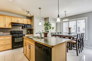 Photo 10: 325 Saddlecrest Way NE in Calgary: Saddle Ridge House  : MLS®# C4149874