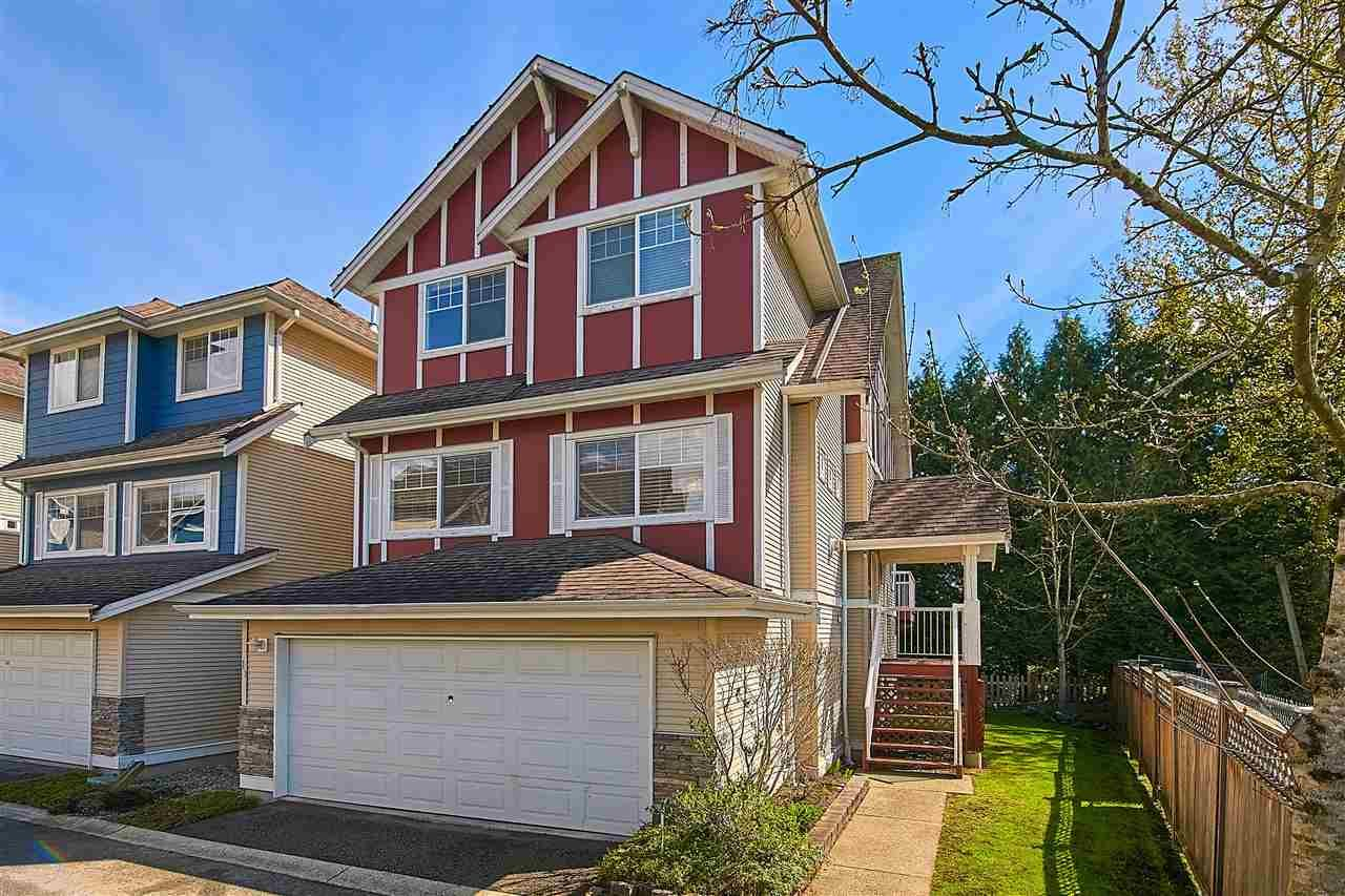 """Main Photo: 11 1108 RIVERSIDE Close in Port Coquitlam: Riverwood Townhouse for sale in """"HERITAGE MEADOWS"""" : MLS®# R2359716"""